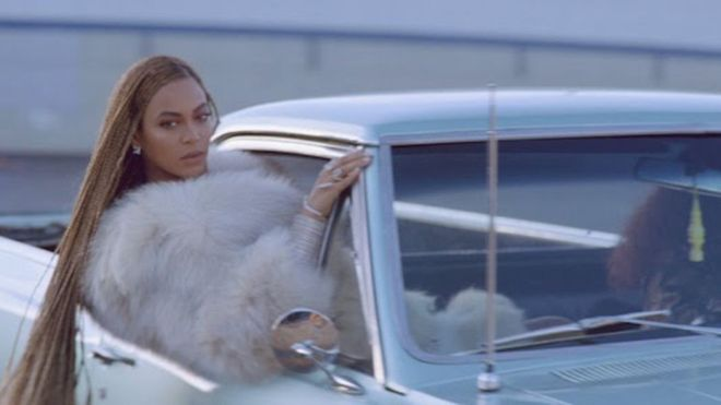 beyonce-formation-car-braides.0.0